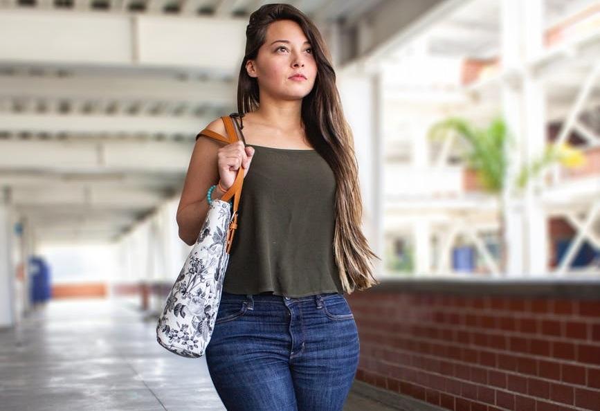 Hobo Style Handbag: Her Reliable Shopping Companion