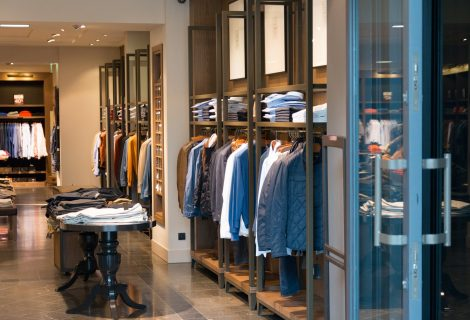 The Disadvantages of Offline Shopping Every Man Has Encountered