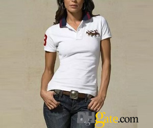 classic look on white polo shirt with dark jeans